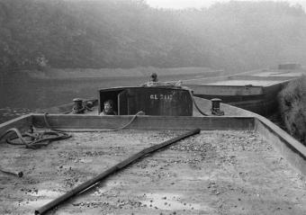 Una chiatta sul Naviglio Grande, verso Robecco, 1963 c.